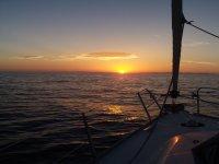 Atardecer sobre el mar