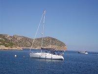 El velero faisan fondeado en Mallorca