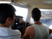 Sobrevolando la isla de Benidorm