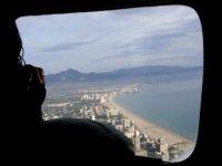 Precioso paisaje aéreo de la costa blanca