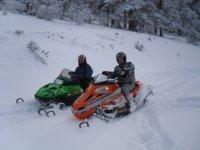 También excursiones en moto de nieve
