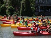 Listos para salir con los kayaks