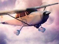 Avioneta en pleno vuelo