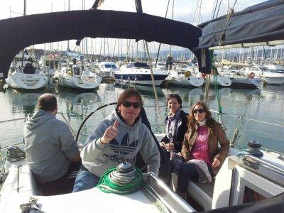 Giro in barca a vela con degustazione di vini, Costa Biscaglia