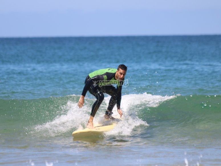 Surfing classes in Suances