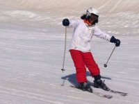 Esquiando pendiente abajo