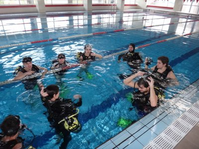 Scuba diving baptism in confined waters, Zaragoza