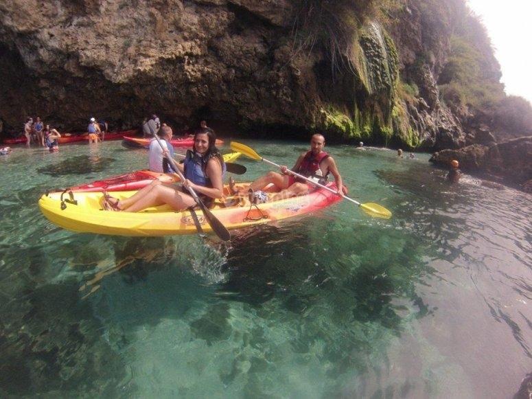 Paseo en kayak en la costa de Nerja