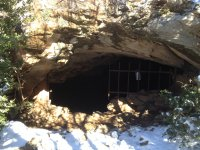 Entrada a la Cueva de Anes