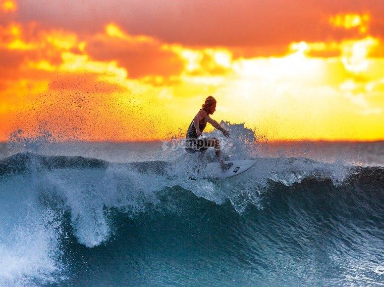 成人冲浪者