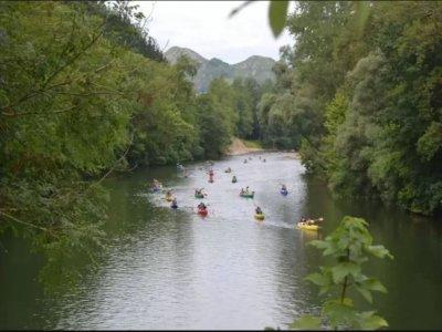 Descenso del Sella en piragua y picnic Arriondas