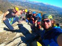En grupo en lo alto del monte