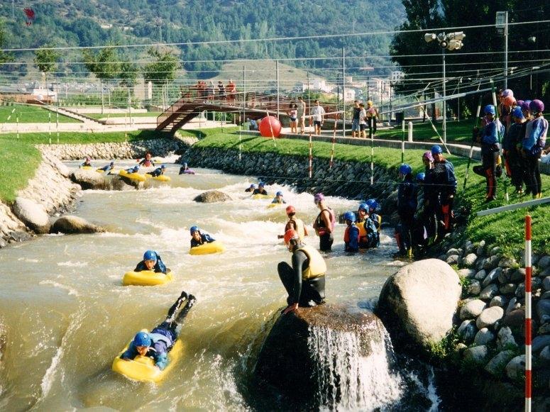 Navigazione in hydrospeed attraverso i canali olimpici