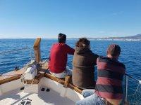 Paseo con la familia en barco