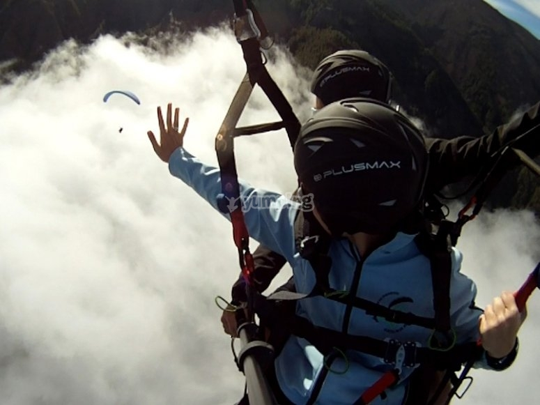 HD video of the paragliding flight