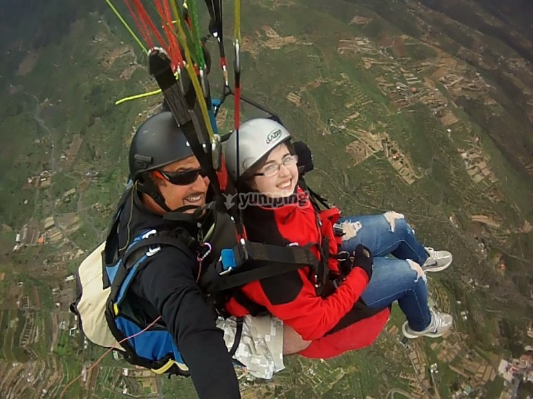We will record your paragliding experience