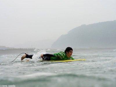 Corso di surf 2 settimane 20 ore