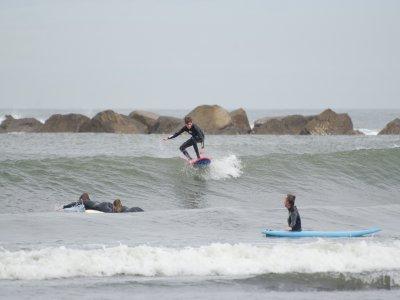 Corso di surf 1 mese e 40 ore nelle Asturie