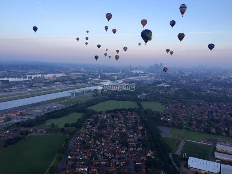 Volando en globo por el campo riojano