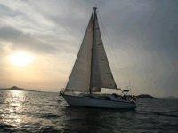 Navegando con la puesta de sol