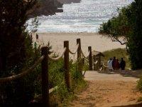 Por el paseo hasta la costa