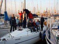 Studenti sulla barca pratica