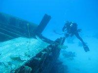 Diving in wrecks
