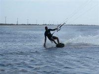 了解在塔拉戈纳风筝冲浪风筝冲浪做的最好的技巧