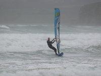 强化课程介绍了风帆冲浪帆板冲浪在塔拉戈纳