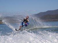 在塔拉戈纳滑雪滑水课程刷卡