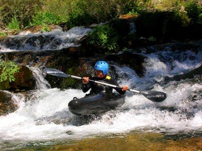 Piragüismo en aguas bravas nivel II, en Alto Tajo