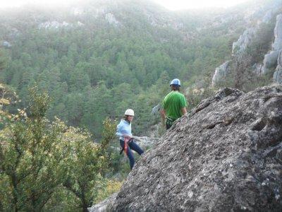 Las Cobatillas干燥峡谷的下降