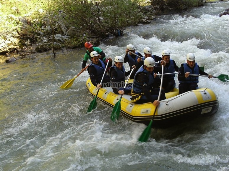 """Rafting + paintball en Unquera. Cantabria"""