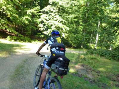 Discesa dell'orso con mountain bike, 3h