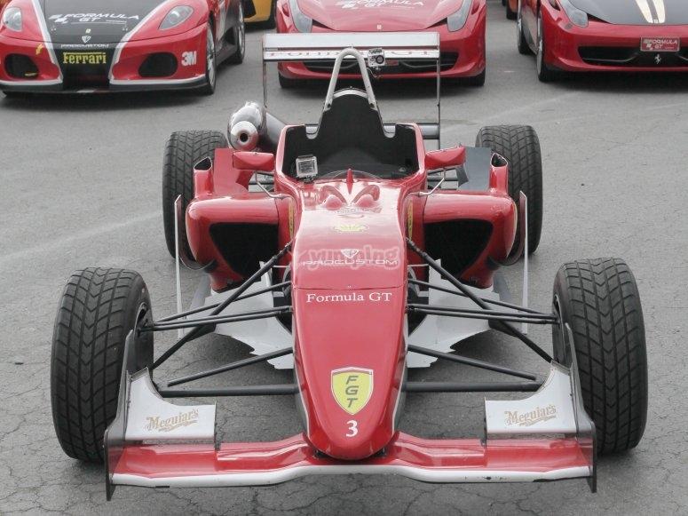 Pilota un fórmula 3 en Los Arcos