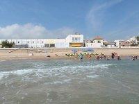 享受各种场景海滩Kayak的预期组