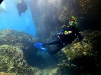 Podrás bucear y alcanzar los 12 metros de profundidad.