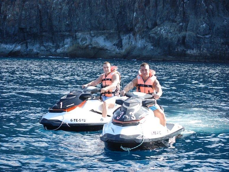 摩托艇滑水