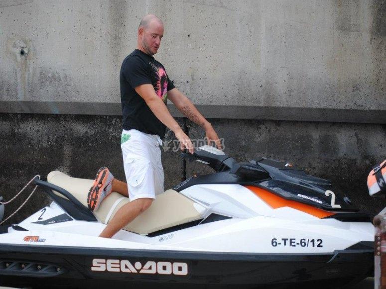 Disfruta en nuestras motos de agua