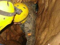 Espeleología en cueva natural de Leon
