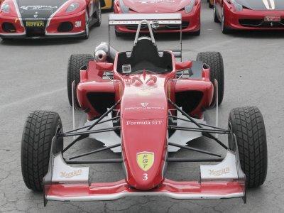驾驶Formula 3 Kotarr赛道2圈