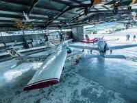 Interior del hangar del aeroclub