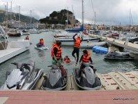 Cogiendo las motos en el puerto