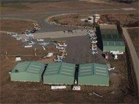Plataforma y hangares