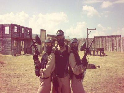 Stag or hen party with paintball at El Fresno