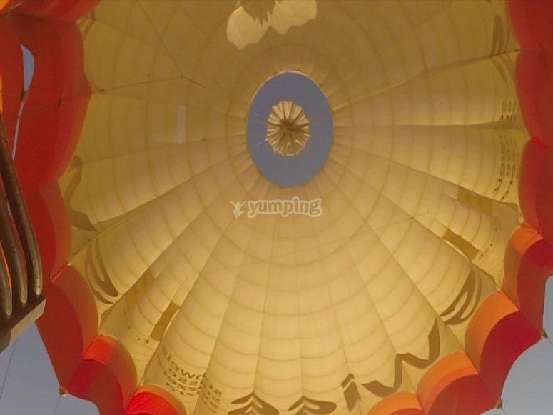 Interior del globo aerostático