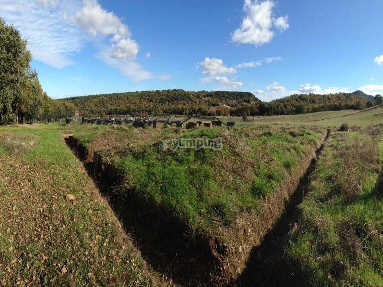 Campo con trincheras