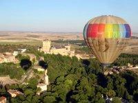 气球飞行塞戈维亚与高清视频