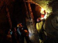 Explorando una cueva