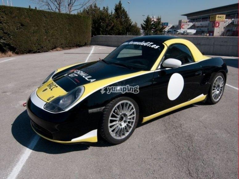 Piloting a Porsche Boxster in Cheste